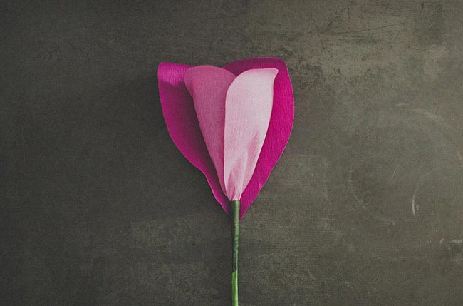 diy-giant-paper-rose-12
