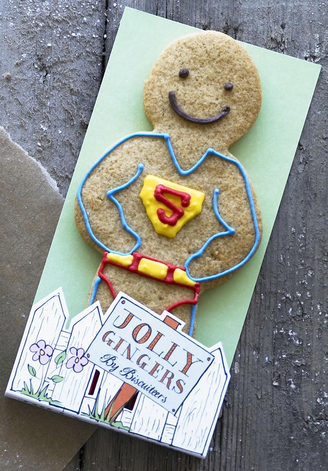 gingerbread-men-favours-superman