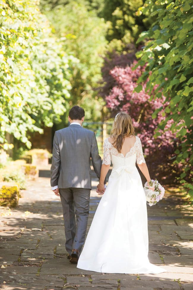jacqui-rob-real-wedding-27