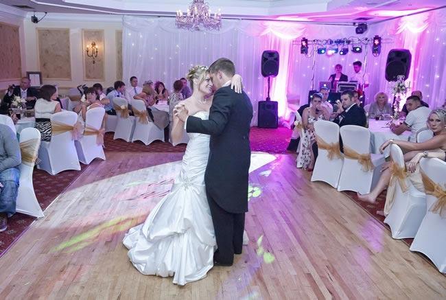 sarah-colin-real-wedding-23