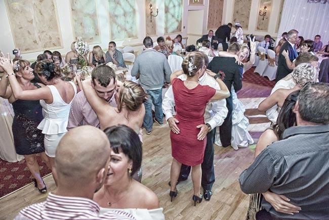 sarah-colin-real-wedding-24