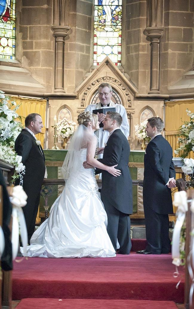 sarah-colin-real-wedding-32
