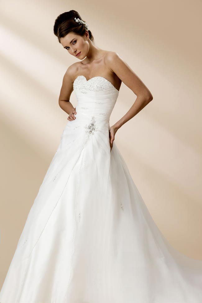 true-bridal-2013-collection-W105