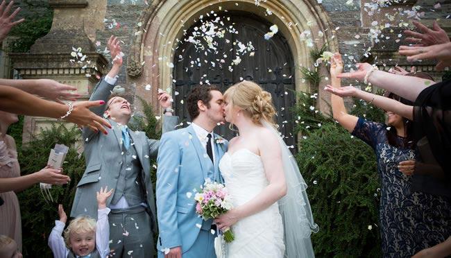 wedding-confetti-gwenterphotography.co.uk