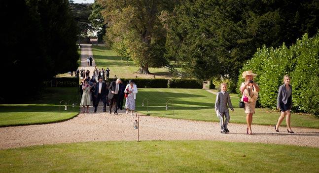 wedding-guest-etiquette-alexa-loy
