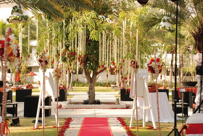 Garden-Lounge-Tree-Pattaya
