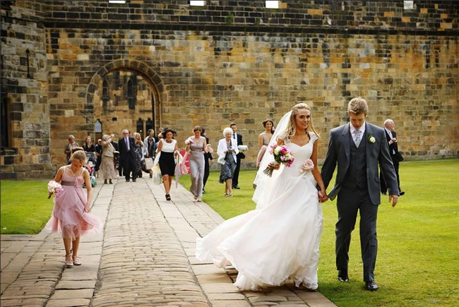 Dreaming of a Harry Potter Wedding?! alnwick-castle-wedding
