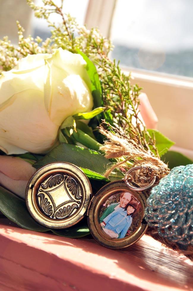 bouquet-locket