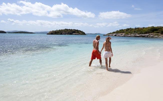 honeymoon-planning-beach