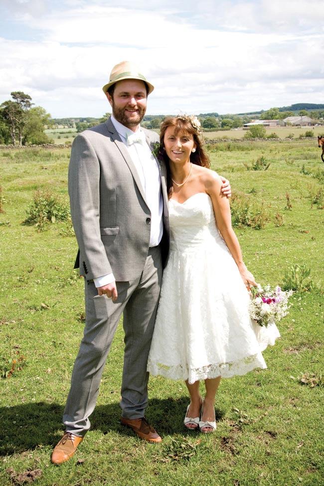 rustic-wedding-couple