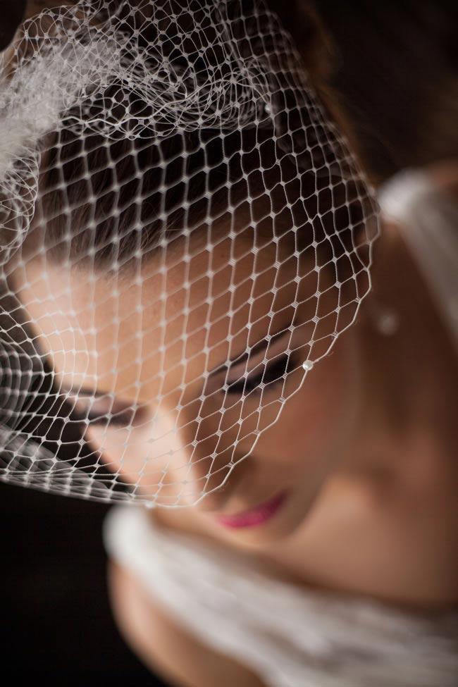 Vintage Styler pearl-trimmed birdcage veil