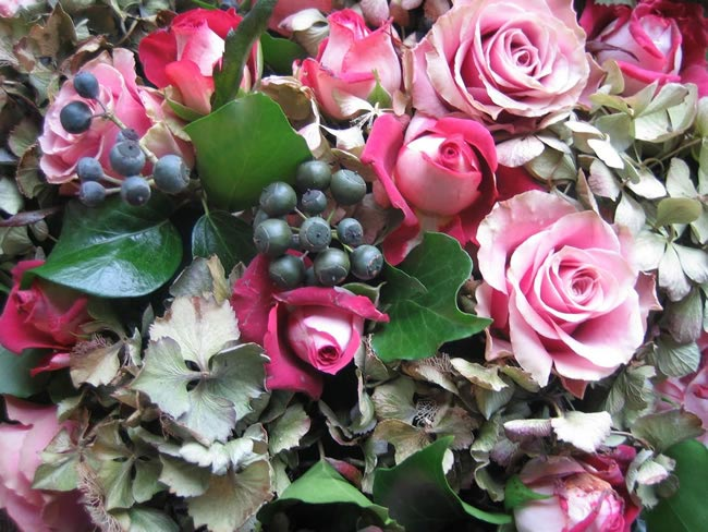 berried ivy Wedding Flowers by Season: Your Ultimate Guide to Seasonal Wedding Flowers