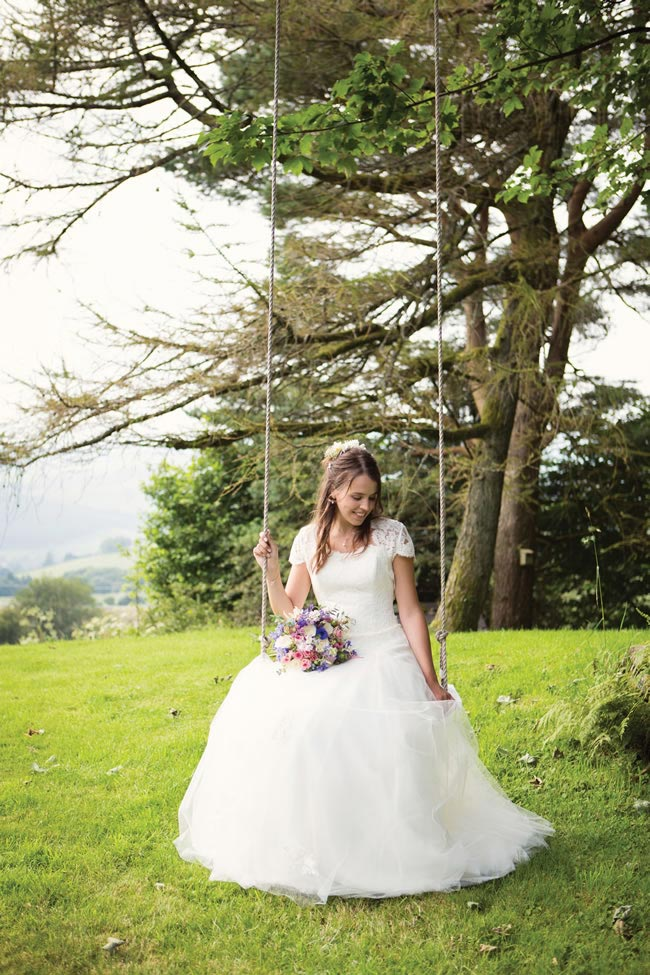 Emily-Dave-real-wedding-28.jpg