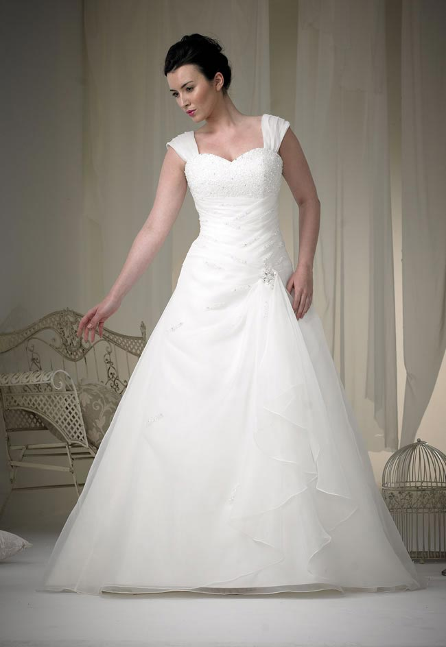 phoenix gowns style W095