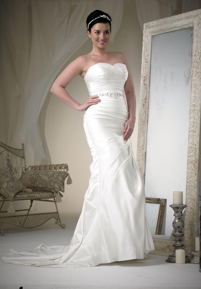 phoenix gowns style W100