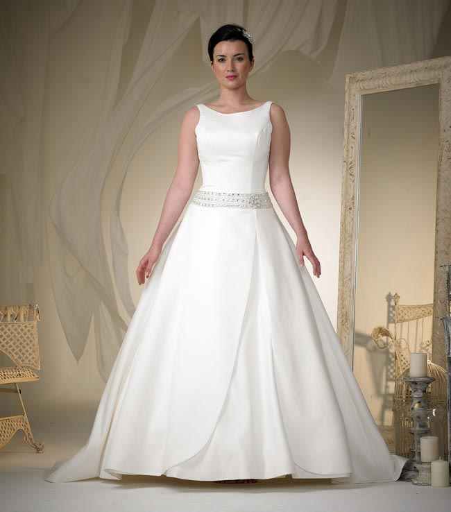 phoenix gowns style W101