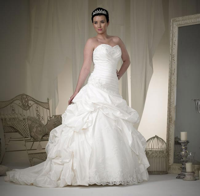 phoenix gowns style W102