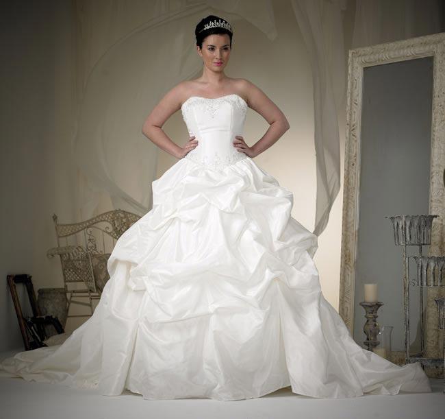 phoenix gowns style W130