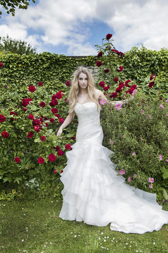 Alexia Designs 2014 collection style W395