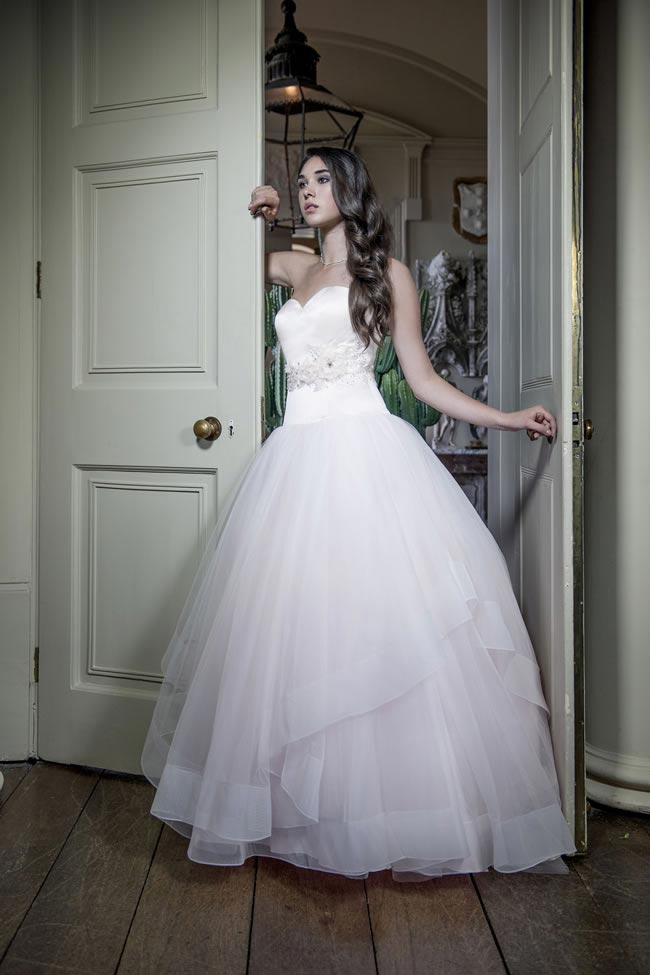 Alexia Designs 2014 collection style W396