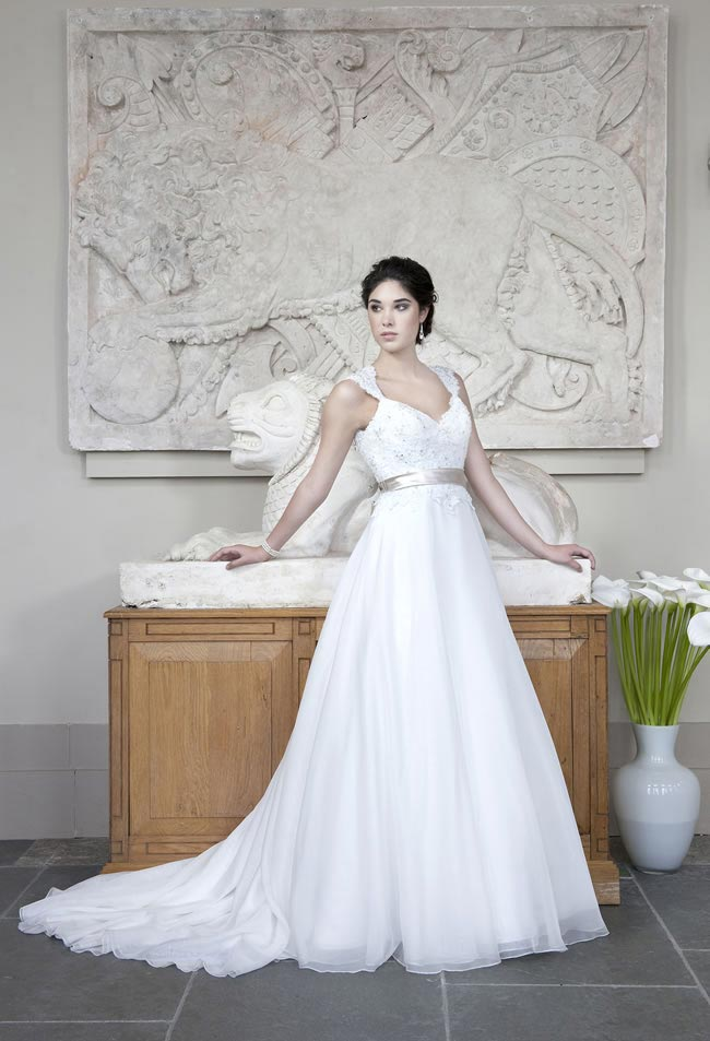 Alexia Designs 2014 collection style W404