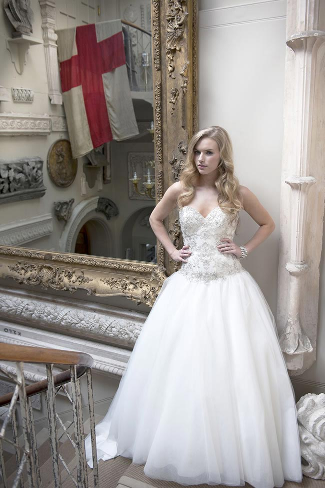 Alexia Designs 2014 collection style W407