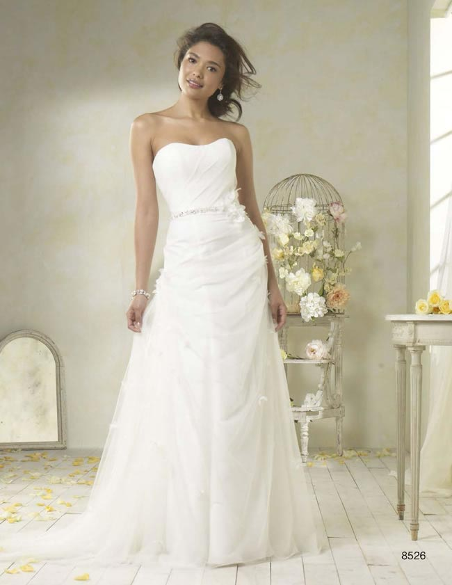 Alfred Angelo Modern Vintage style 8526