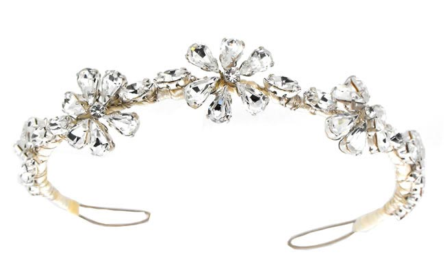 Wedding Hair Accessories: Your Guide to Bridal Hair Accessory Ideas tiara