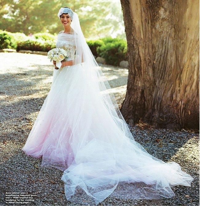 Anne-Hathaway-in-Valentino