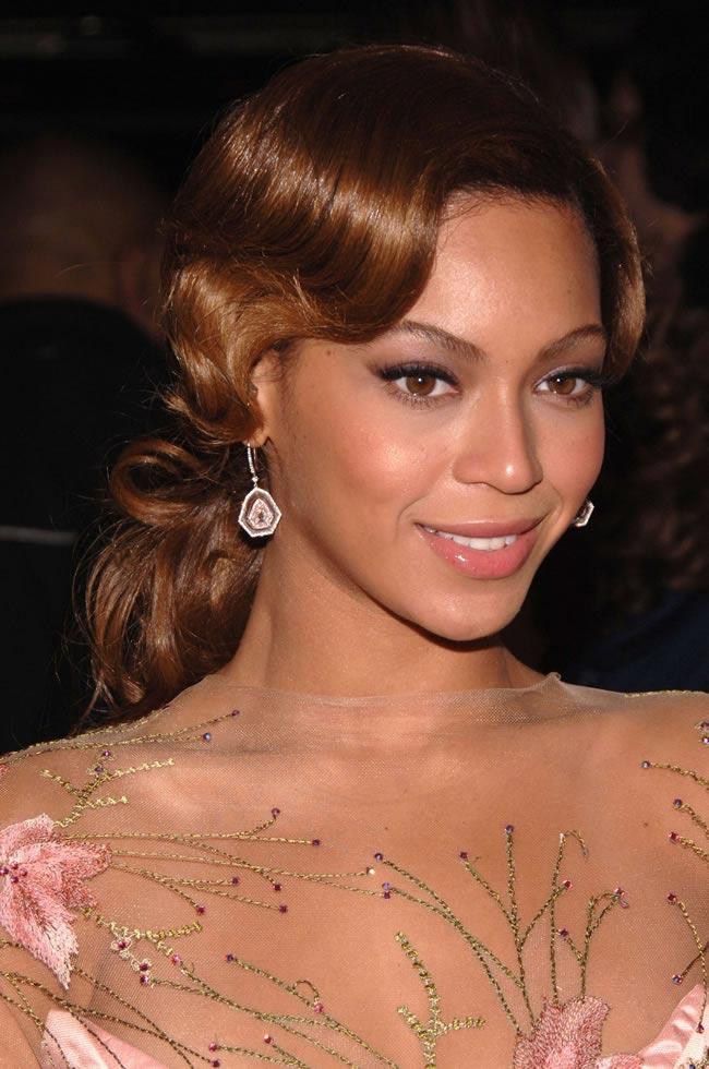 Beyonce wedding hair 01