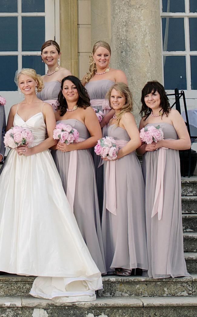Rebecca's bridesmaids     AlexBeckett.RJ09665