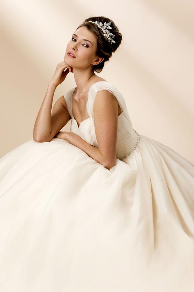 True Bride style W102