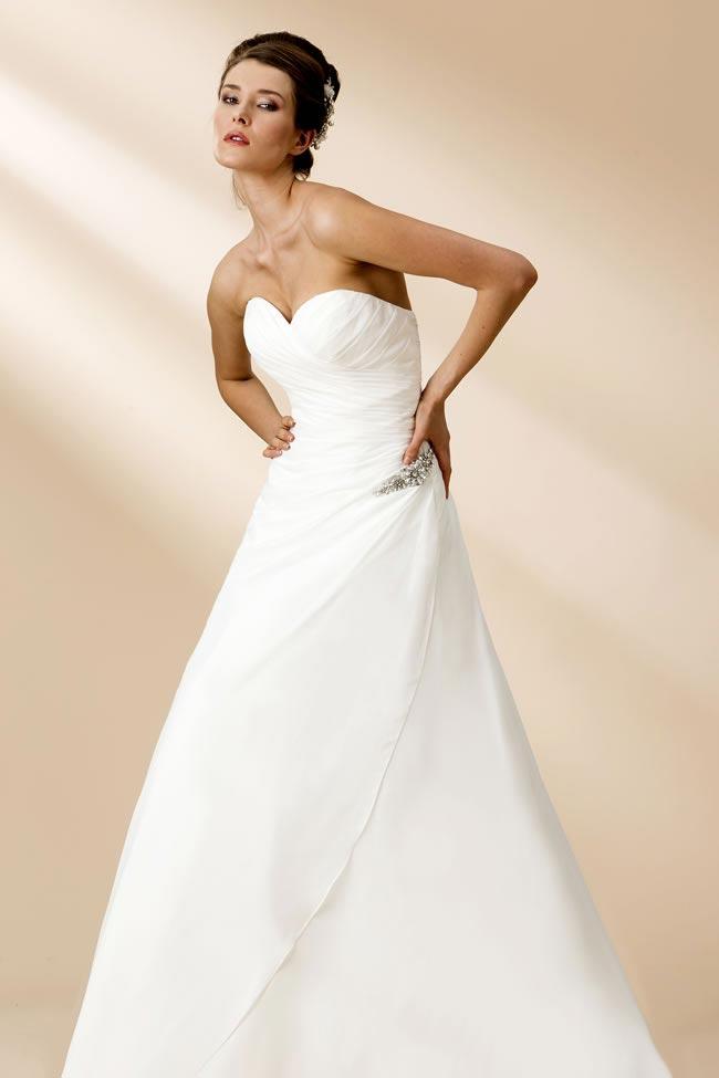 True Bride style W106