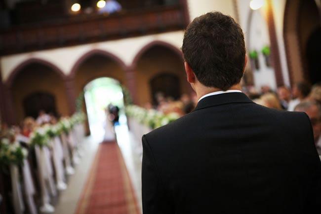 groom watching