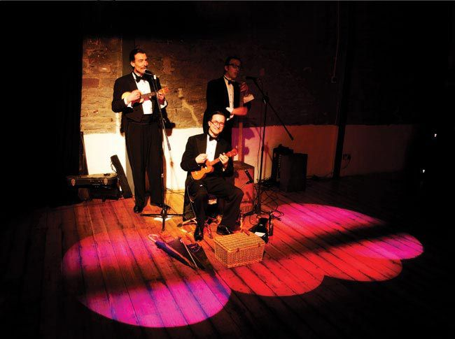 matching-your-entertainment-to-suit-your-wedding-venue-trio-fotolicious.co.uk