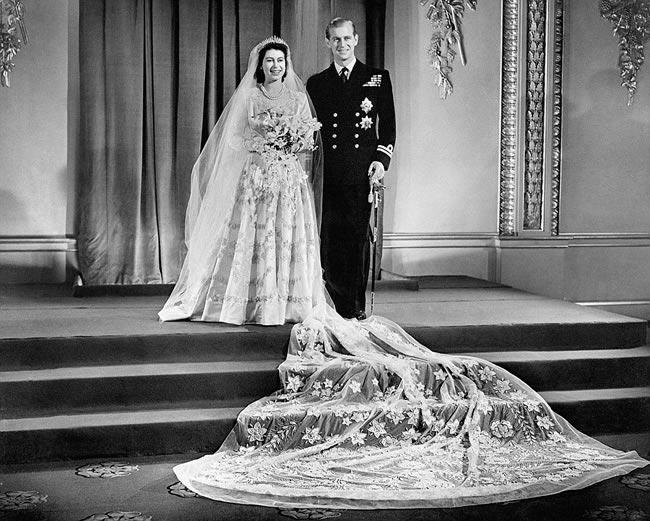 Original straped lace chapel train mermaid wedding blue dress