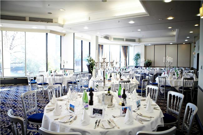 showcase-event-at-the-tower-hotel-london-tables