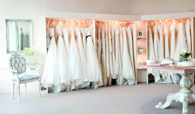the-dos-and-donts-of-wedding-dress-shopping-boutique