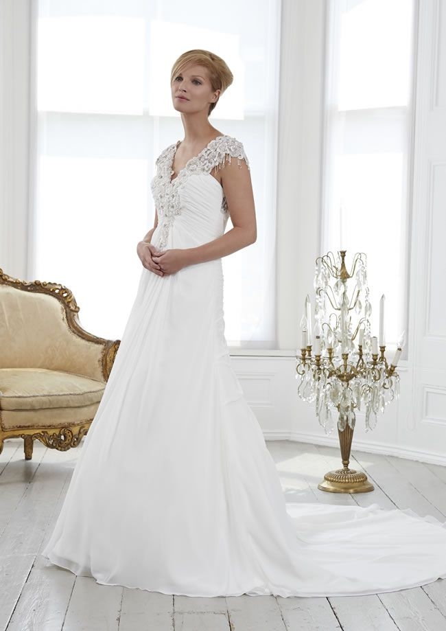 wedding-dresses-to-suit-your-theme-from-romantica-of-devon-pc3318-philcollins