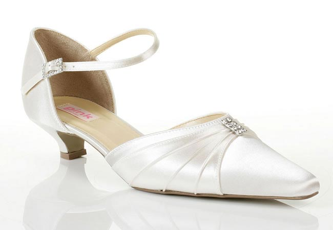 wedding-shoes-everything-you-need-to-know-kitten-heels
