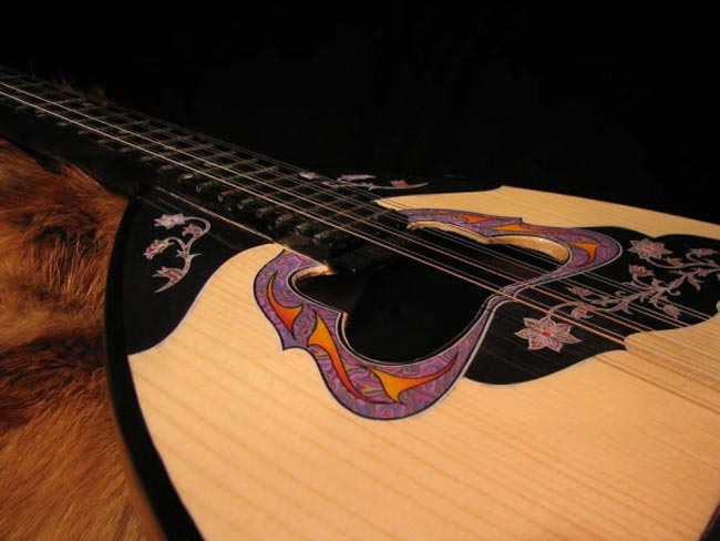 10-ways-personalise-big-day-abroad-bouzouki