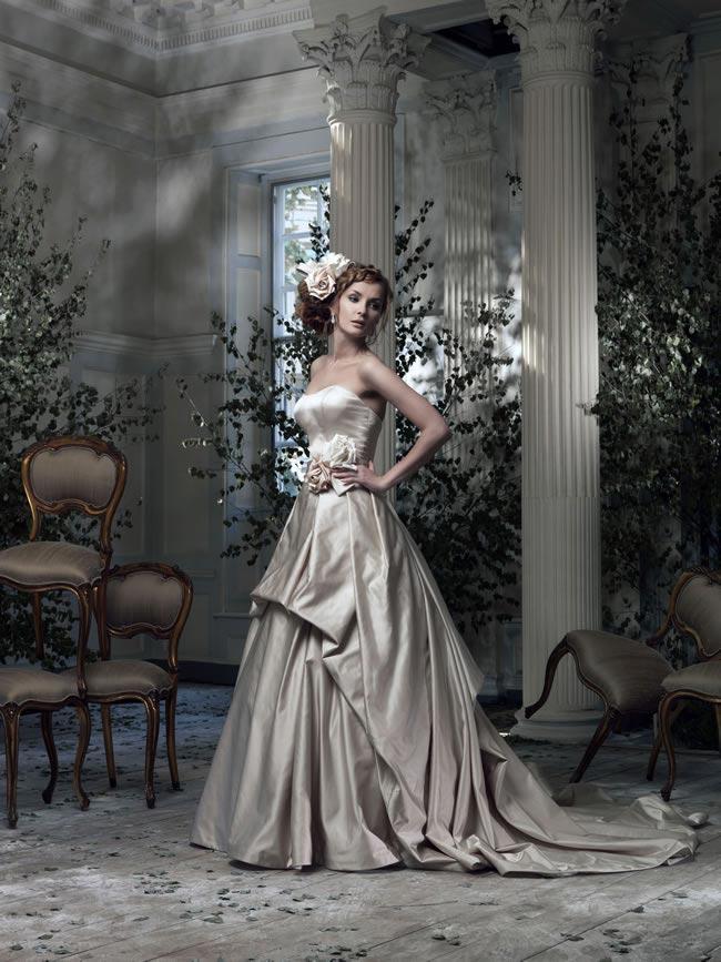 20-favourite-coloured-wedding-dresses-Frill Me by Ian Stuart - Parisienne