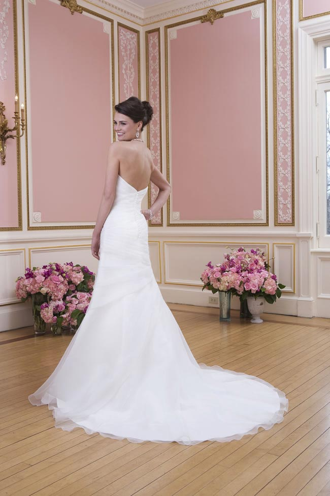 2014-sweetheart-dress-collection-young-fun-full-romance-6022-back
