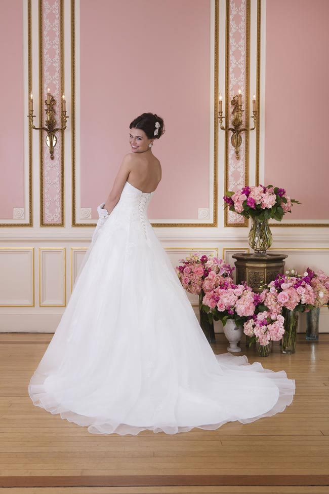 2014-sweetheart-dress-collection-young-fun-full-romance-6031-back
