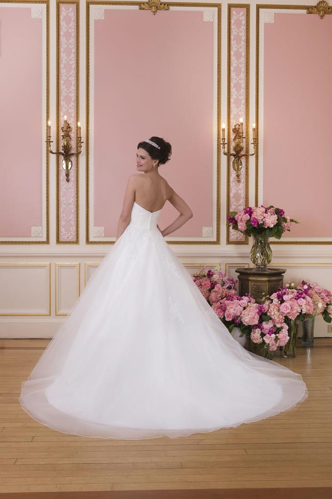 2014-sweetheart-dress-collection-young-fun-full-romance-6035-back
