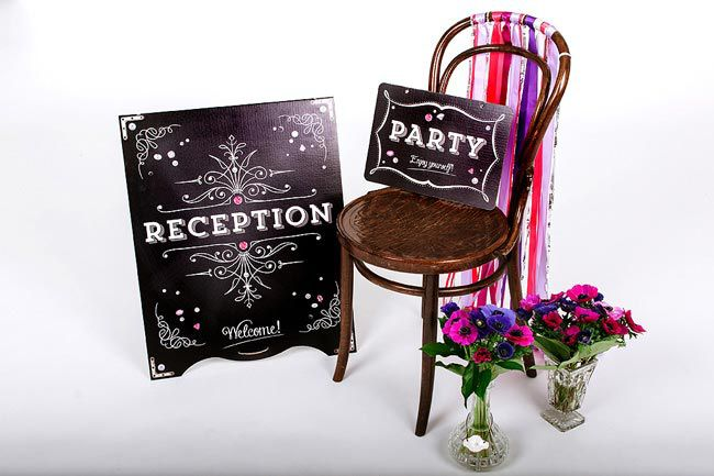 6-ways-to-set-the-scene-signs_chair