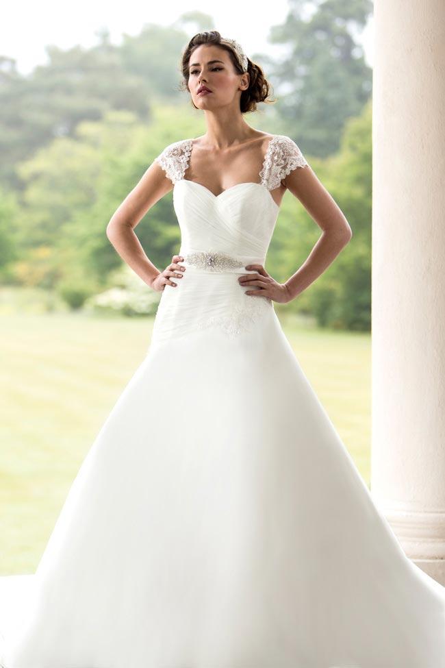 Real-life-wedding-dress-dilemmas-W129