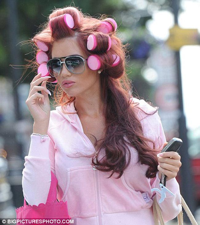 Sleep-in-Rollers-amy-childs-intropic
