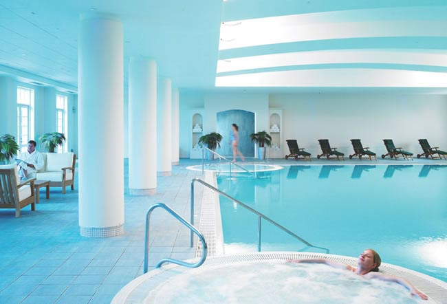 Win a fab minimoon at the Fairmont St Andrews in Scotland worth £2,000 - Pool