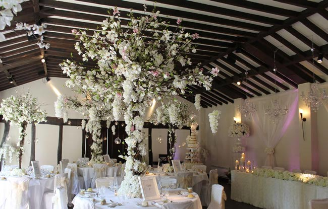 blooming-gorgeous-wedding-flower-trends-2014-essentialcouture8